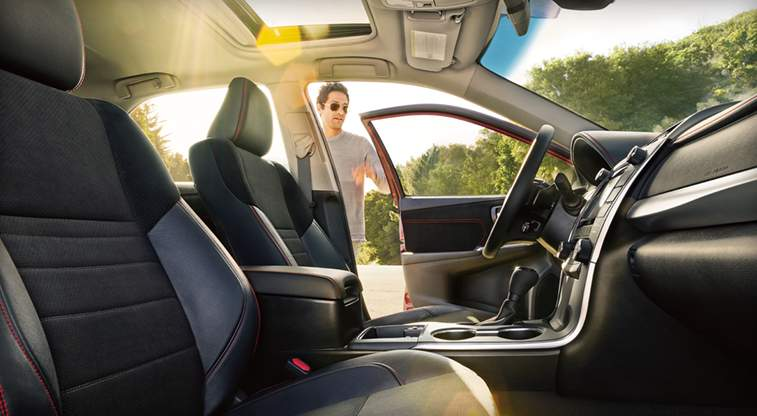 toyota-2017-features-design-camry-hybrid-interior-power-seats-l (1)