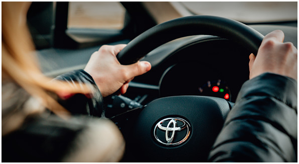toyota-2018-c-hr-features-safety-monitoring-s