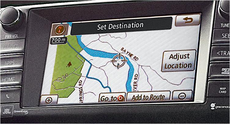 toyota-2018-rav4-features-technology-navigation-l