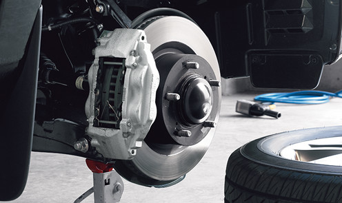 toyota-2018-tundra-features-performance-brakes-l