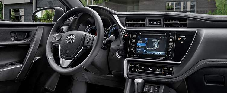 toyota-features-2018-corolla-se-xle-package-interior-l